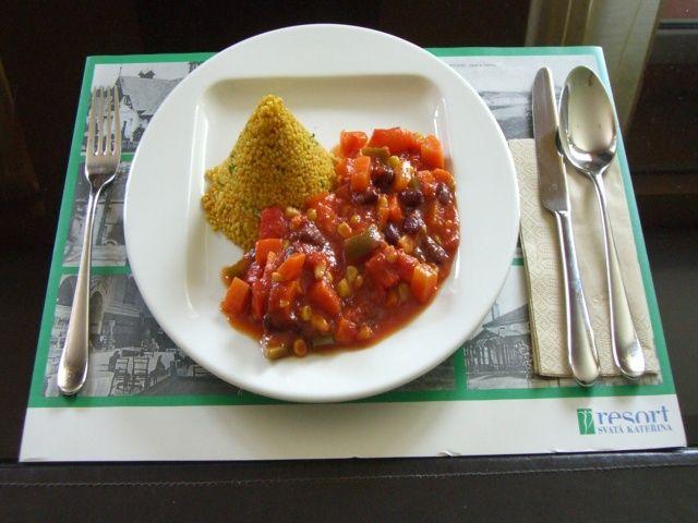 Fazolové chilli con carne s jáhly