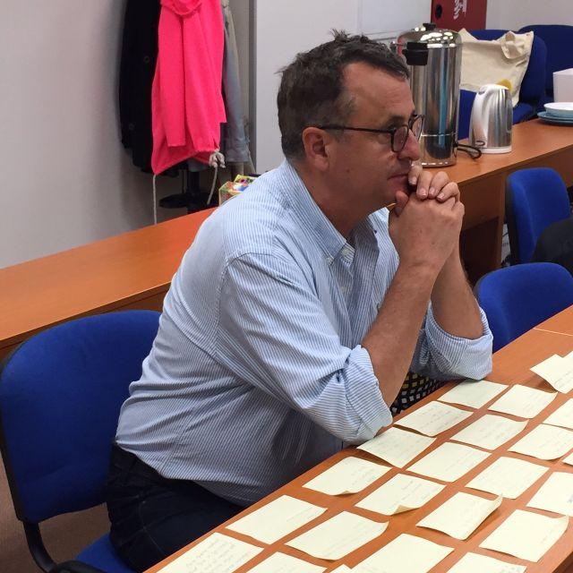 Roger Green nad otázkami studentů