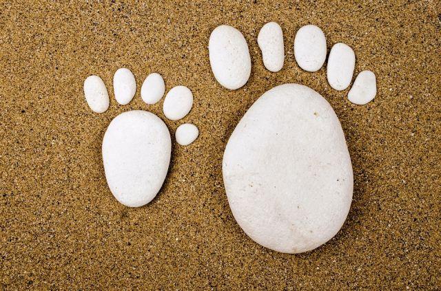 nohy kameny