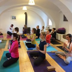 Veronika Tomko Iyengar jóga