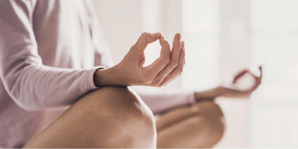 Při hodinách se naučíš správně dýchat a základy meditace